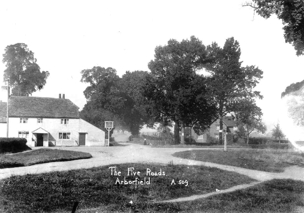 The article called this the 'Bull Hotel'; it is at the five-way cross-roads, around 1910