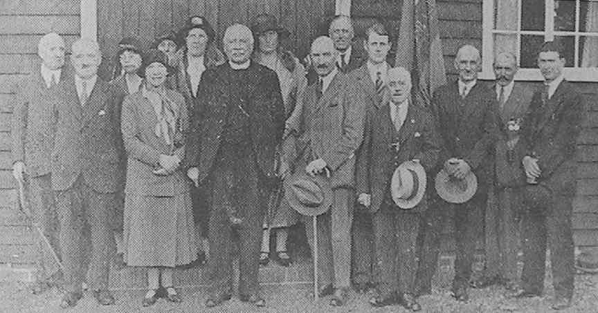 Miss Simonds, Canon Anderson, Mr. J. H. Simonds and Mr. Allsebrook and others outside the hall