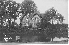 The Pond and Pond Cottages